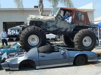 4X4 off road jeep crushing cars